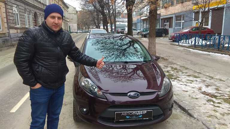 Ford Fiesta 2011 АТ