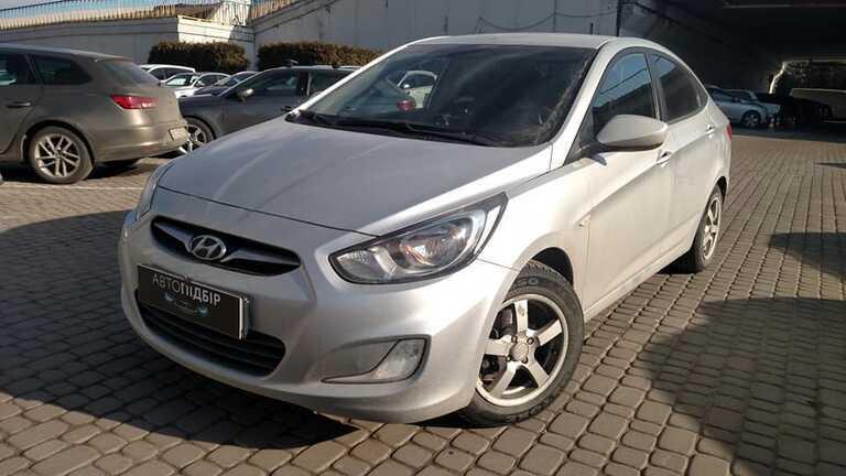 Hyundai Accent 1.4  2011