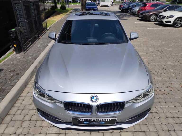 BMW 330i 2.0 2016